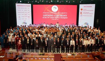 Vietnam bags four golds at 19th Asian Physics Olympiad