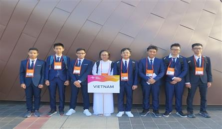 Vietnamese students win Asian Physics Olympiad medals