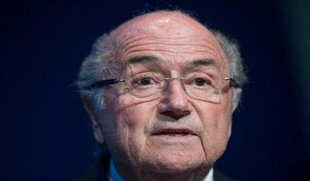 Blatter gets ovation, Blazer says 1998, 2010 Cups tainted