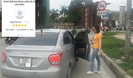 Hanoi attempts to manage app-car services like taxis