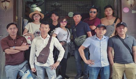 Hanoi young tour guides try to tackle pickpocketing