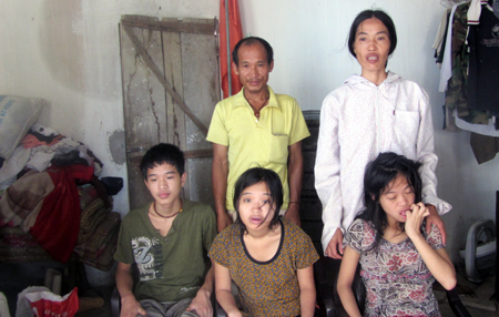 Poor couple with mentally disabled children seeking community help