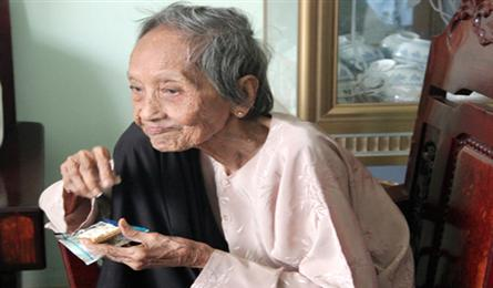 Oldest person in Vietnam may keep world record