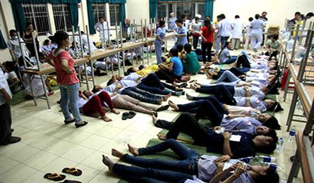 Nearly 200 workers hospitalised after dinner