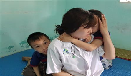 Dantri/DTiNews readers support twins suffering from cerebral palsy