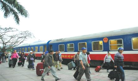 More tourist trains on Hanoi-Lao Cai route to be operated