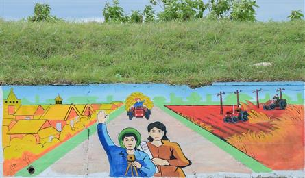 Hanoi outlying road turned into artwork