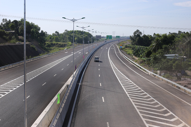 Central expressway opens to traffic | DTiNews - Dan Tri