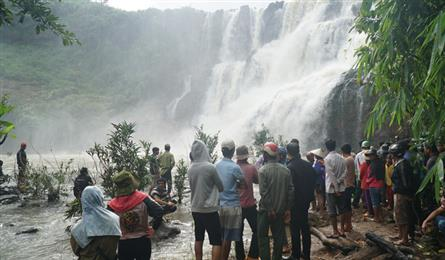 Men missing at Central Highlands waterfall found dead