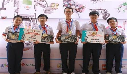 HCM City to send five students to the World Robot Olympiad