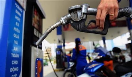 Domestic retail petrol prices hit three-year high