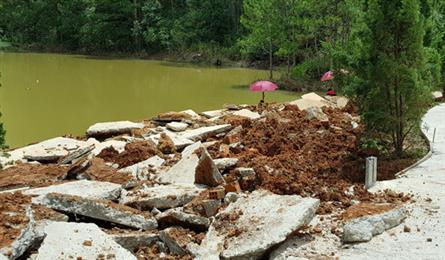 Investigation started into Tuyen Lam Lake projects
