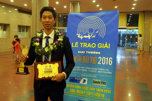 Le Cong Thanh, head of InfoRe JSC, winner of Promising IT Products category at the Vietnamese Talent Awards 2016
