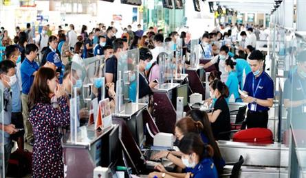 Thousands of flights planned for Tet Holiday