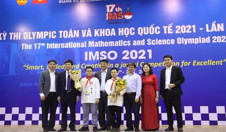 Vietnamese students win gold medals at IMSO 2021