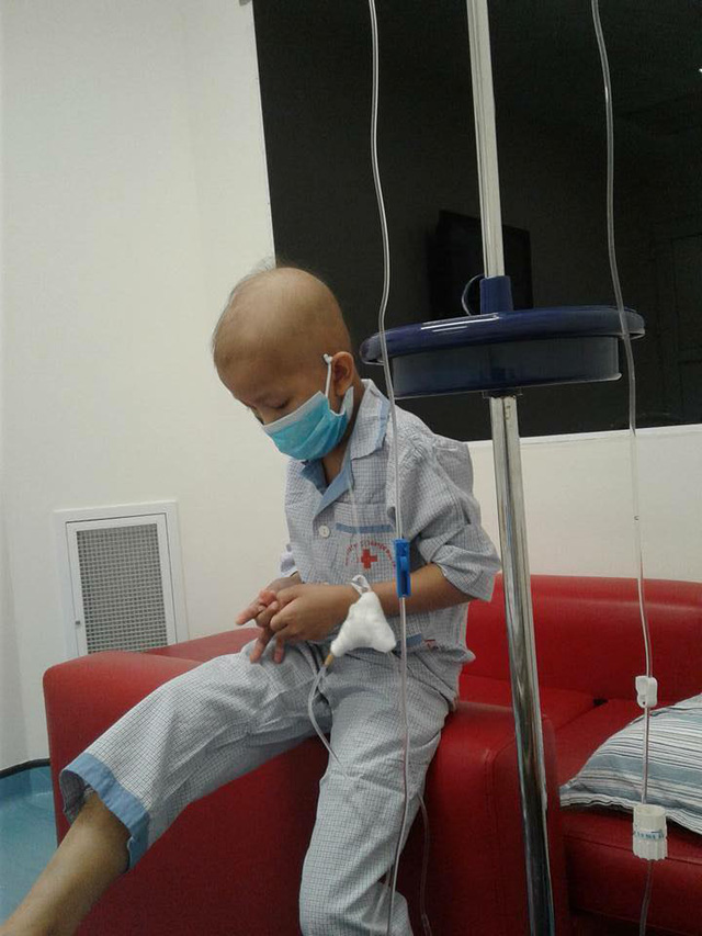 Seven-year-old Pham Hoang Minh in hospital
