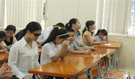 Vietnam faces shortage of teachers in special education