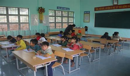 Teachers in mountainous area overcome challenges