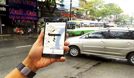 Authorities blame Uber and Grab for congestion