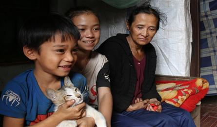 Dak Nong woman in need of help to raise small grandchildren