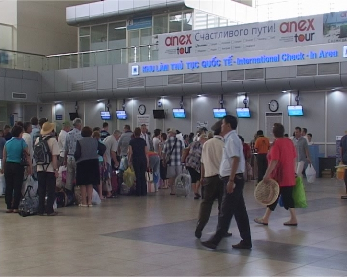 Cam Ranh Airport admits security assaulted unruly Chinese passenger