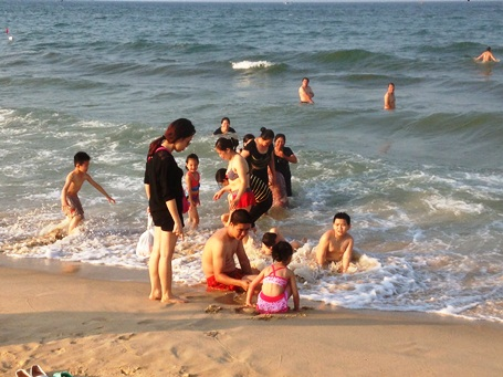 Authorities claim central region coastal waters safe