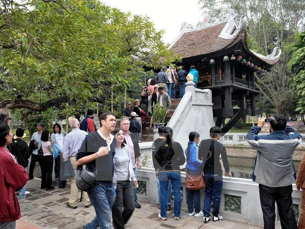 Hanoi's six-month tourism rakes in 1.54 billion USD