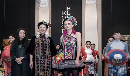 Vietnamese ao dai collection shines in Russia