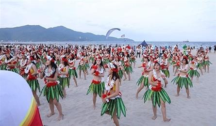 Da Nang hosts summer programme to lure more visitors to the city