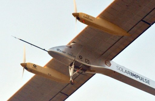 Solar plane leaves Morocco for Spain