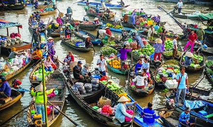 Can Tho authorities struggle to improve the floating market