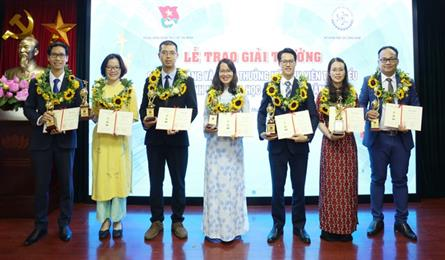 Science and technology talents awarded with Gloden Globe Awards