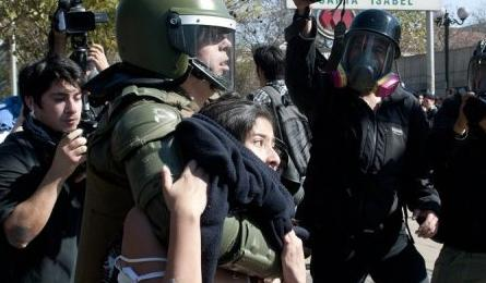75 arrested as police, protesters clash in Chile