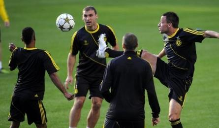 Chelsea out to defend Champions League title
