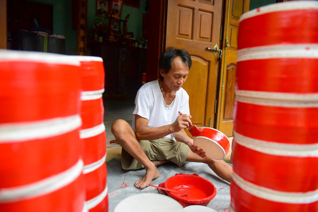 Drum-making village busy ahead of Mid-Autumn Festival