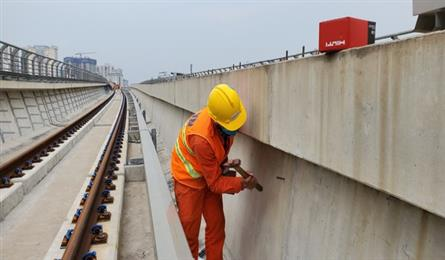 Hanoi struggles to find drivers for metro line