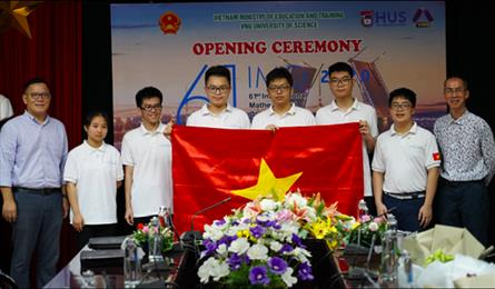 Vietnamese students win gold at international maths olympiad