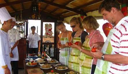 Cooking in Hoi An in top 10 most interesting travel experience