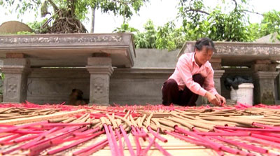 Phung Nghi incense captures essence of Vietnamese culture