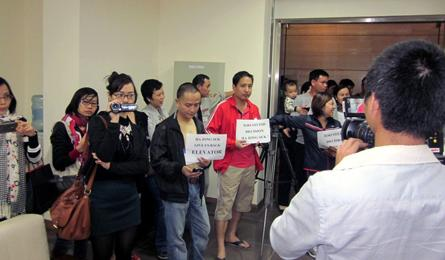 Residents in Vietnam's highest building oppose sky-high service fees