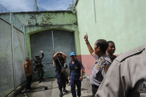Indonesia to evacuate foreign inmates from riot jail