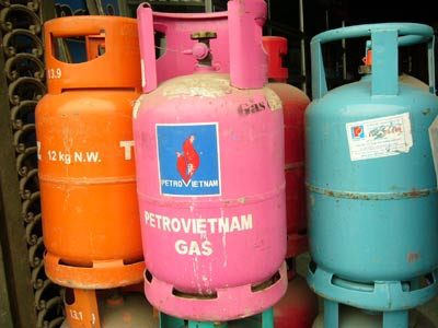 Decrease in import tax to lower retail price of gas