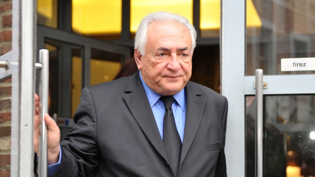 Prostitutes drop allegations against Strauss-Kahn in pimping trial