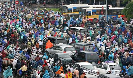 Bad urban planning results in Hanoi inefficient traffic policies