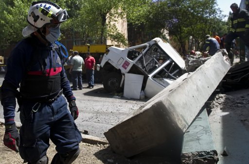 Panic as powerful quake hits Mexico