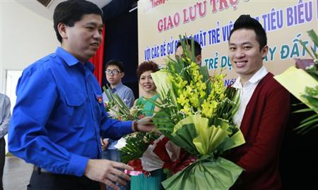 Vietnam honours top ten outstanding young people