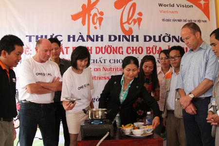Footballers shoot for better nutrition among Vietnamese children