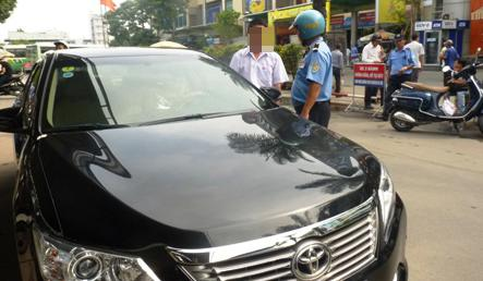 HCM City wants crackdown on Uber taxi services