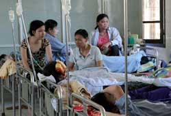 Hanoi tackles problem of overcrowded hospitals DTiNews