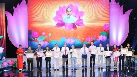 President Ho Chi Minh's 125th birthday marked nationwide and abroad